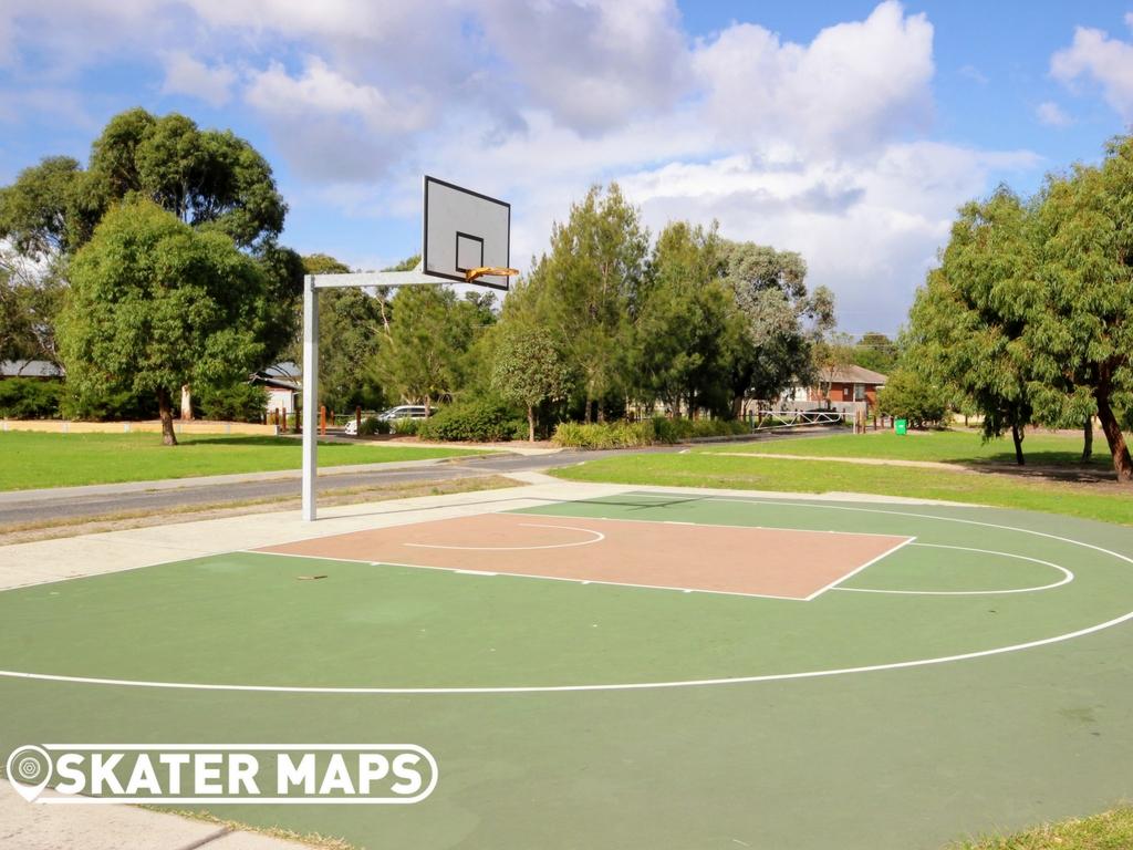 Pines Skatepark, Victoria's most comprehensive skatepark directory