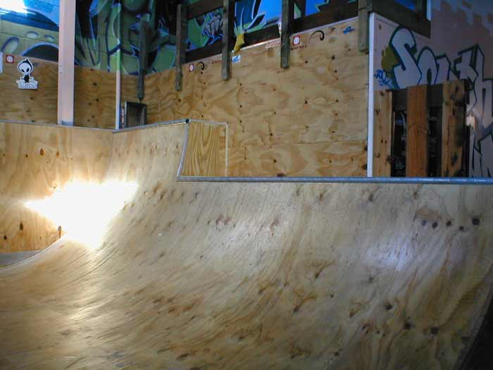 Southern Guns Indoor Mini Skate Ramp