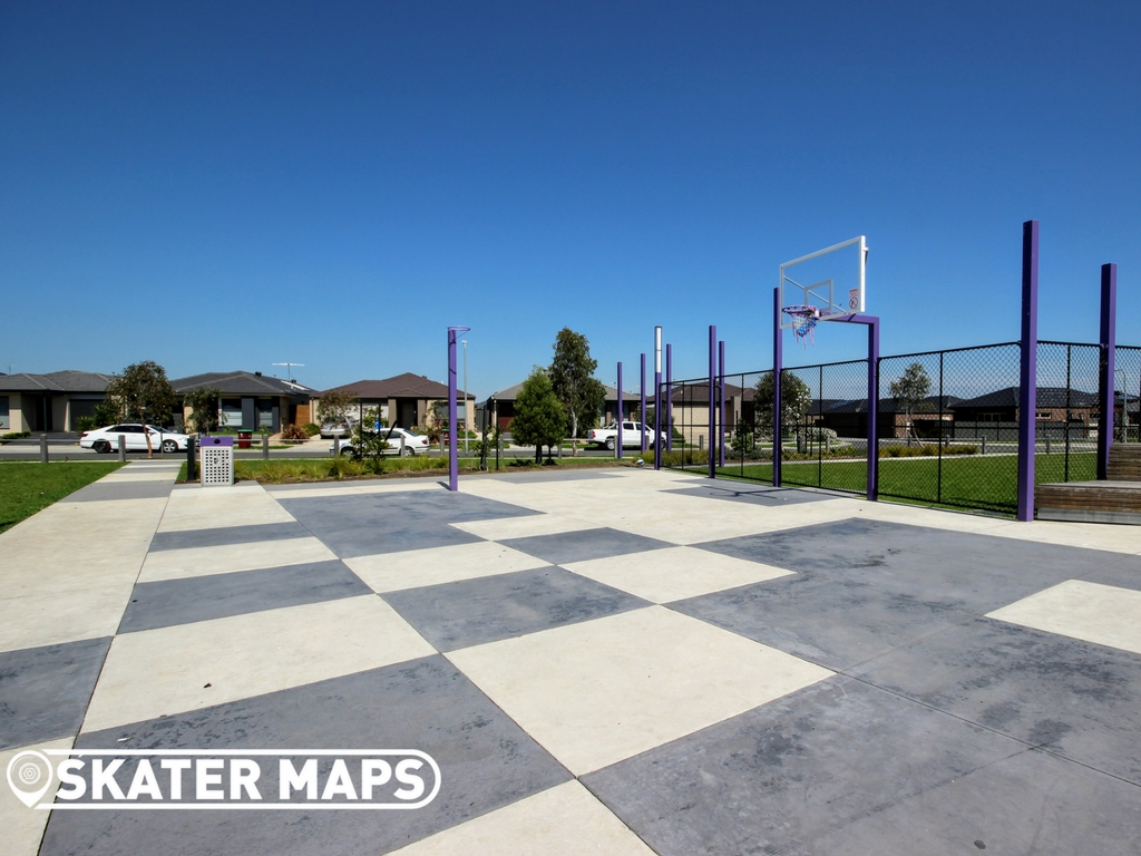 Youth Park Basketball Court Vantage Ave, Clyde North VIC
