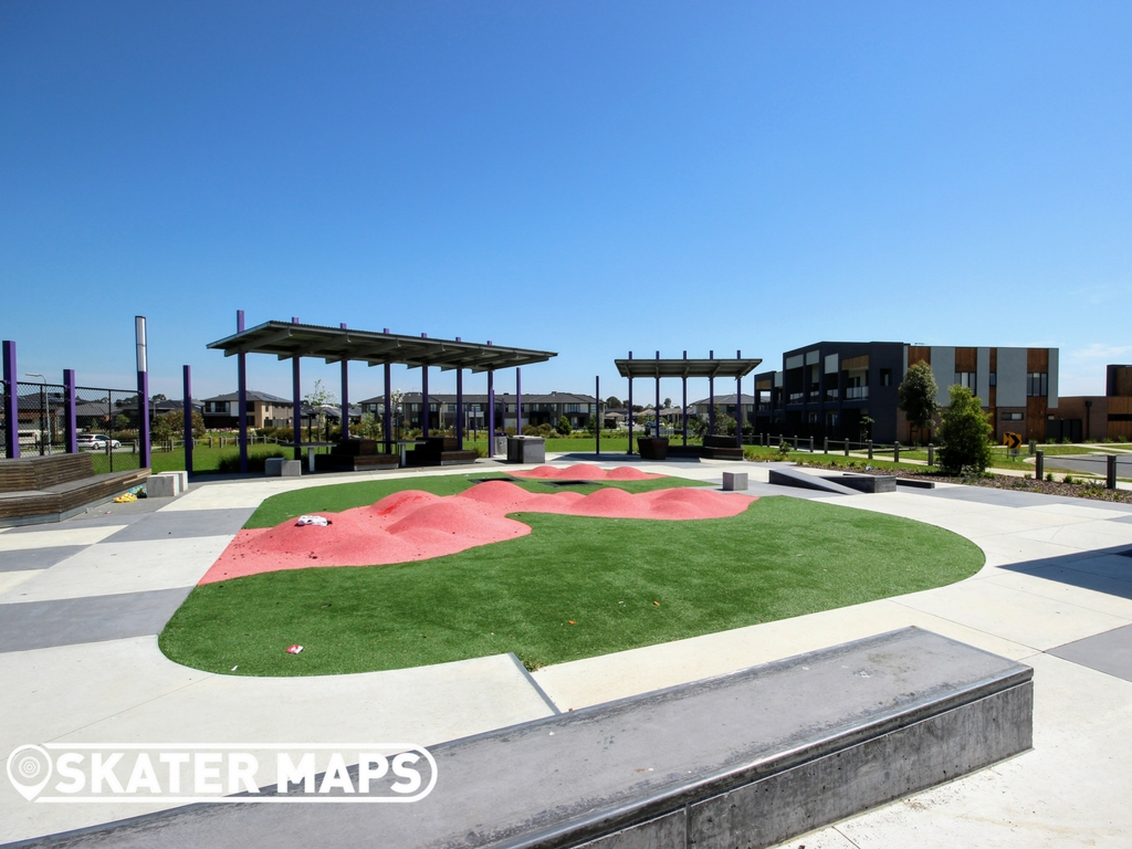 Youth Park Skatepark Vantage Ave, Clyde North VIC