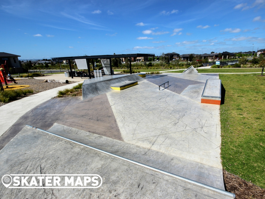 Quarters Skatepark Avonbury Circuit, Cranbourne West VIC