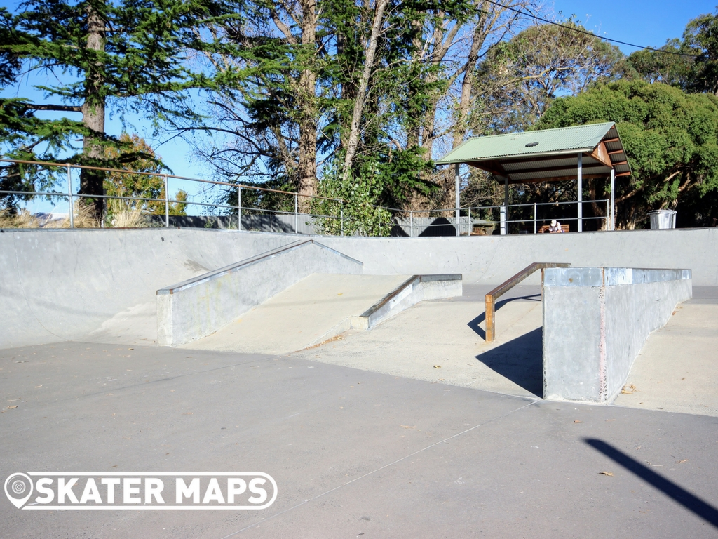 Upwey Skatepark street section