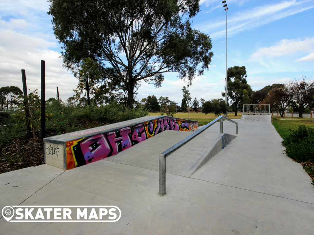 Reservoir Mini Skate Ramp