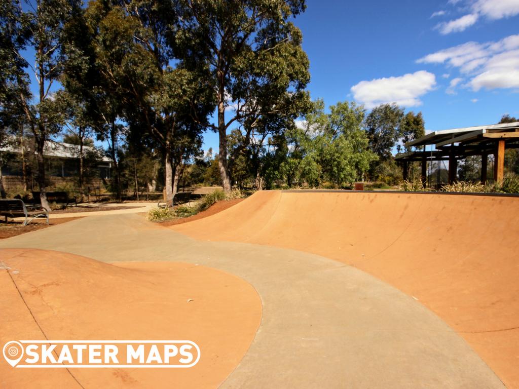Eynesbury Skatepark Dish Vic Aus skateboard scooter bmx park