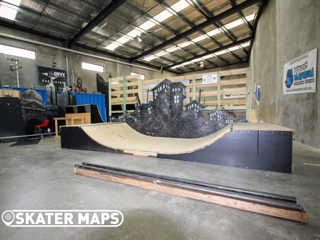 indoor private wood mini ramp