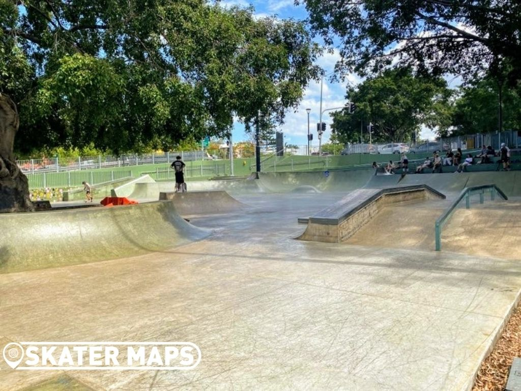 Intermediate skatepark